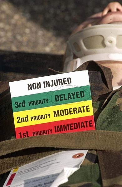 https://commons.wikimedia.org/wiki/File:Triage_Site_US_Army.jpg